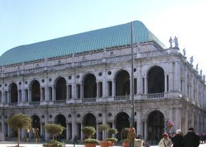 Vicenza-Basilica_palladiana2_retouched